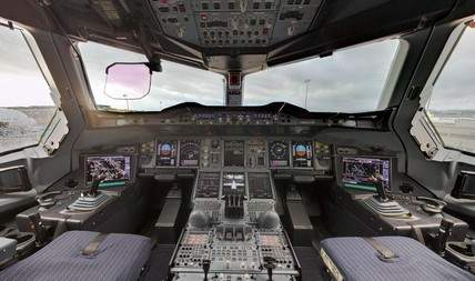 airbus-a380-cockpit-view-360-degrees