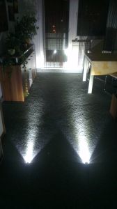 firenox-led-taschenlampe-alpha-sigma-review-leuchtvergleich-boden